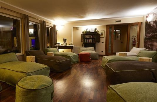 Resort carousel hotel gran baita lounge rs