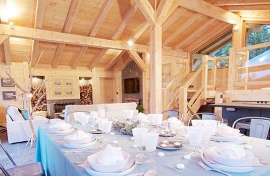 Resort carousel chalet rives d argentiere hamlet dining tablers