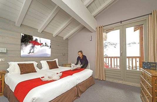 Resort carousel chalet hotel rosset bedroom