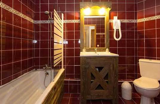 Resort carousel chalet sagittaire bathroom2rs