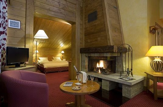 Resort carousel hotel meribel montvallon suite