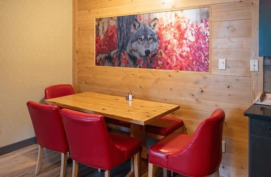 Resort carousel rocky mountain resort two bedroom wolf condo dining