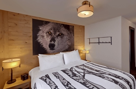 Resort carousel rocky mountain resort wolf loft condo bedroom