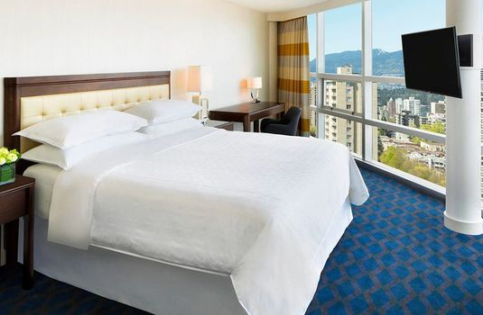 Resort carousel sheraton vancouver wall centre suite2rs