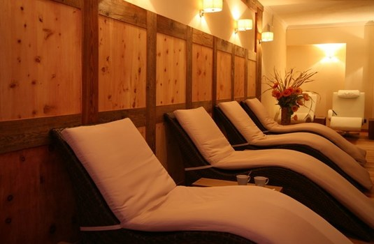 Resort carousel hotel relais des glaciers relaxation