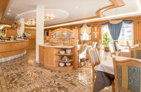 Resort carousel hotel chalet all imperatore buffet