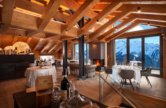 Resort carousel le massif lodge restaurant3
