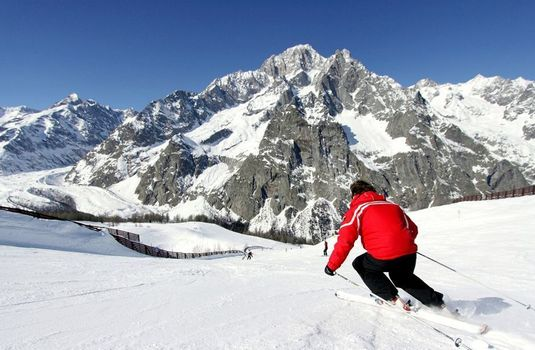 Courmayeur-Resort-Images