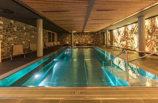 Resort carousel chalet obergurgl pool