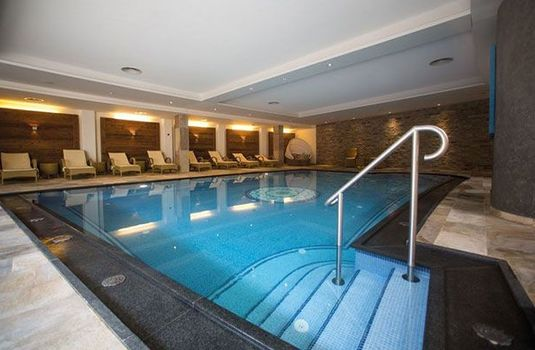 Resort carousel hotel gotthard  indoor swimming pool 2