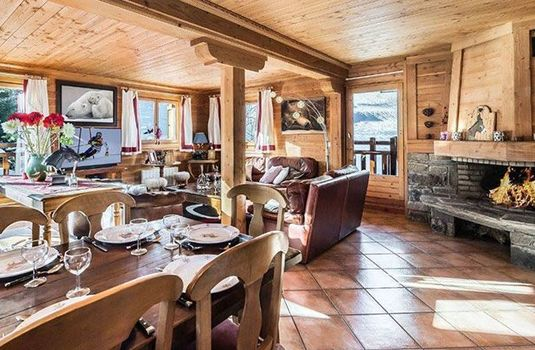 Resort carousel chalet praz champion  living room 2