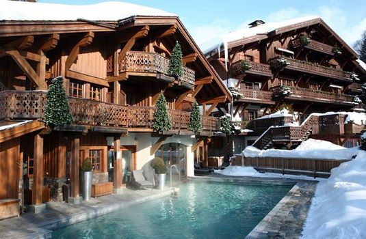Resort carousel four seasons megeve pool