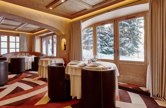 Resort carousel four seasons megeve restaurant