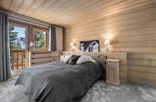 Resort carousel chalet russeau genevrier bedroom  1