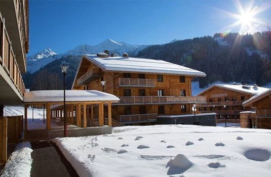 Resort carousel hotel le chamois view