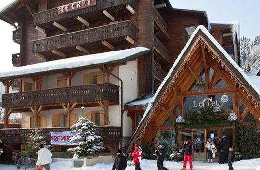 Resort carousel hotel le cret exterior