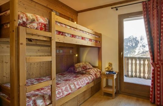 Resort carousel le ruitor bunks