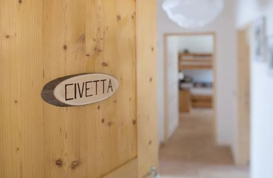 Resort carousel civetta door