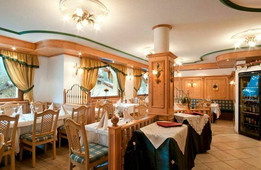 Resort carousel hotel gianna restaurant