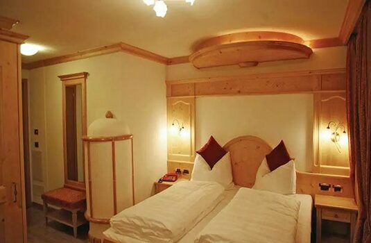 Resort carousel alpen hotel vidi bedroom 2