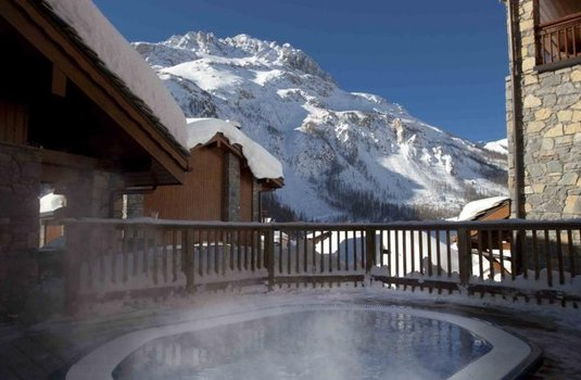 Resort carousel bellevarde hot tub val d isere