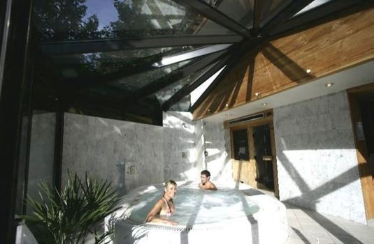 Resort carousel hotel prieure outdoor hot tub